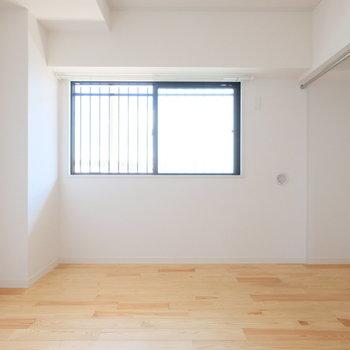 こちらは寝室。※写真は前回募集時のものです