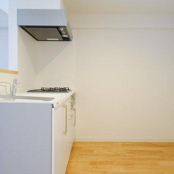 キッチンスペースもゆったり取ってます◎ ※前回募集時の写真です