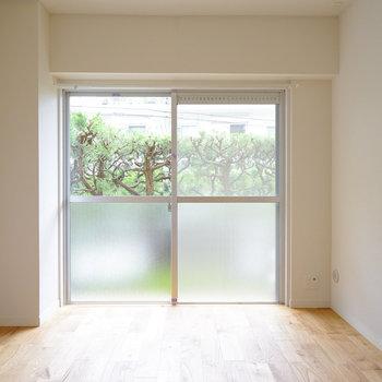 寝室も明るくて使いやすいお部屋◎ ※前回募集時の写真です