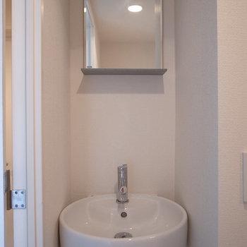 洗面所もいいですね。※写真は3階の同間取り別部屋です。