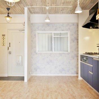 キッチンもお部屋のデザインと統一。