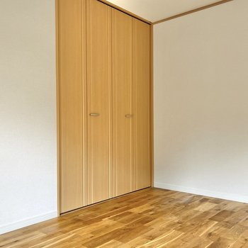 シンプルな色合いなので、様々な家具を合わせられそうですね。