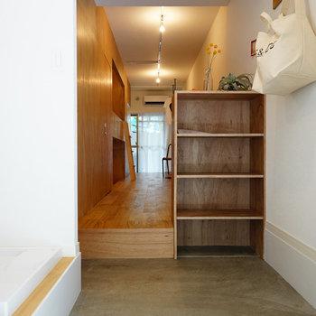 玄関は広くどましよ※写真は108号室