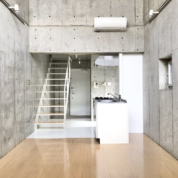 【LDK】キッチンも空間に馴染んでいます。