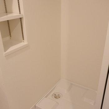 洗濯パンよこの小棚、重宝しそう。