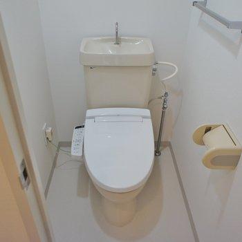 トイレも個室!