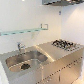縦型2口コンロで調理場も広々確保