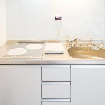 キッチンは1人暮らしの方に丁度良い広さ
