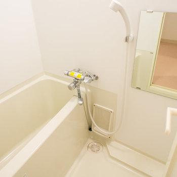 浴室もシンプルです。