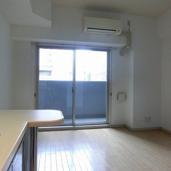 2面採光!※写真は5階の同間取り別部屋のものです。