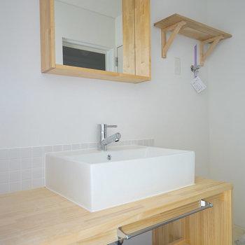 洗面台もナチュラルデザイン!※写真は工事中です