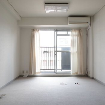 明るいお部屋です!※写真は工事前です