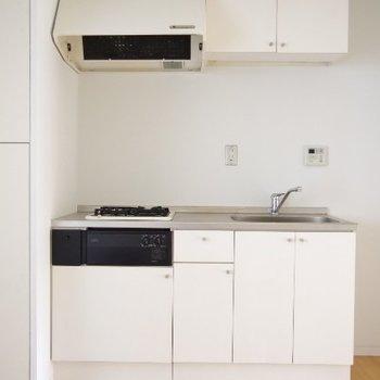 キッチンは2口ガスコンロ※写真は前回掲載時のものです