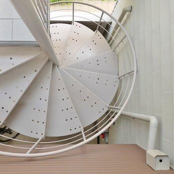 お部屋へは。この螺旋階段で※写真は前回募集時のもの。