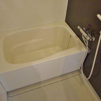 バスルームも綺麗になっております※写真は前回募集時のもの。