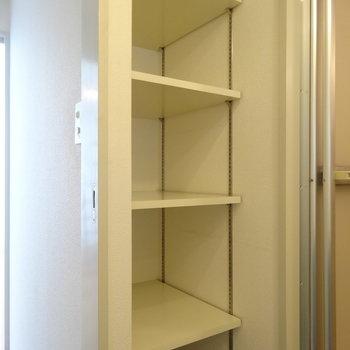 脱衣所に可動棚、これは助かる!