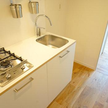 キッチンはスタイリッシュな2口ガス!