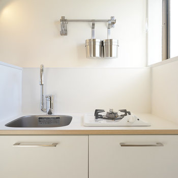 キッチンは1口ガスです。※写真は同間取り別部屋のもの