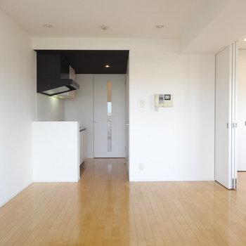 窓側からはこう※写真は8階の同間取り別部屋のものです。