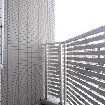 こちらは一服スペースかな※写真は8階の同間取り別部屋のものです。