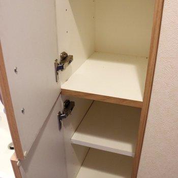 1足ずつ入れるシューズボックス※写真は4階の反転間取り別部屋のものです