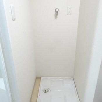 洗濯機置場も脱衣所に。