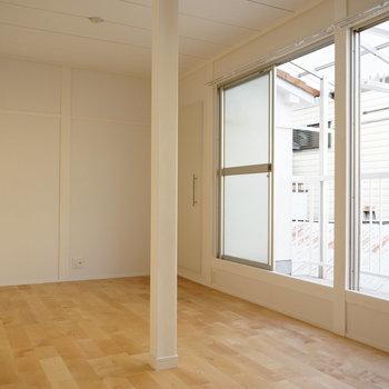 2階】こちらはTVも置ける2階のメイン部屋