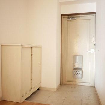 玄関は十分スペースありました