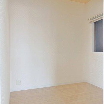 お部屋⁈っていうくらい大きなウォークインクローゼット。