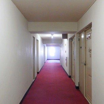 共有部の渋さもお部屋を引き立てます。