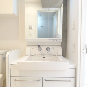 きれいな洗面台です※写真は前回募集時のものです