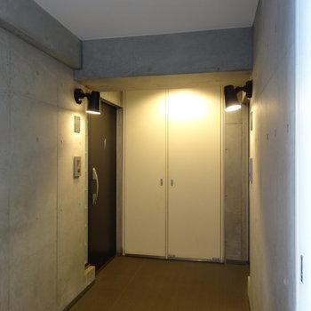ドアの灯りにきゅん