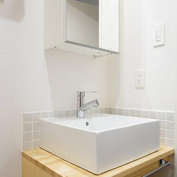 洗面台は大工さんお手製の造作に!