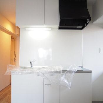白くて綺麗なキッチンです