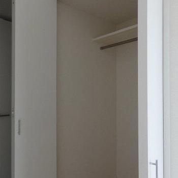広めの収納がまた使い勝手がgood。(※写真は9階の同間取り別部屋です)