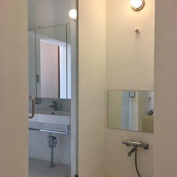 透明な扉…ちょっと恥ずかしい!