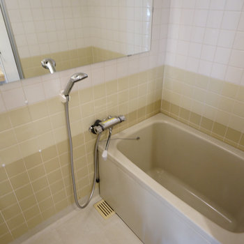 お風呂には横長鏡を!※写真は前回募集時のものです