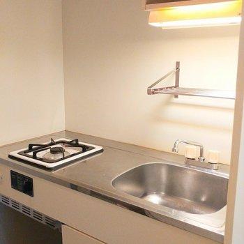 シンプルなキッチン 横に冷蔵庫置けますよ~