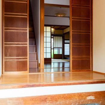 開くと、和室まで見えますね。