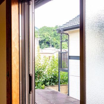 【2階和室②】和室①も南側の窓にはシャッターがついていますよ。