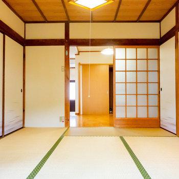 【1階和室】広さは6帖。