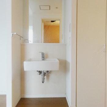 独立洗面台はちょっぴりかわいい
