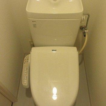 トイレ※写真は3階の同間取り別部屋のものです