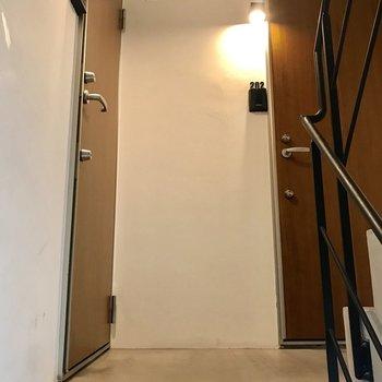 階段上がってすぐのお部屋です