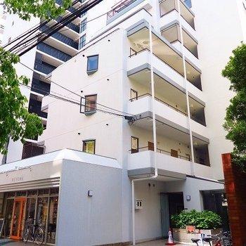 中崎町の中にある雰囲気のあるマンション