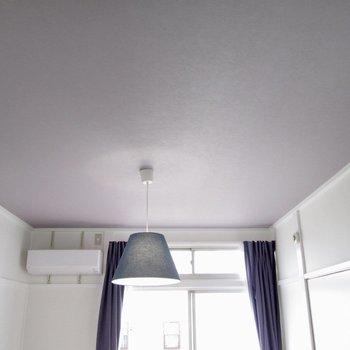 【洋室6帖】天井も薄紫色に◎