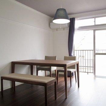 【洋室6帖】テーブルを置いたりソファを置いてゆっくり過ごしたいなぁ。