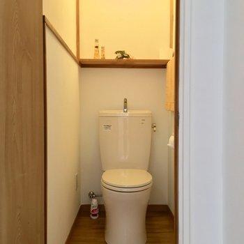 トイレ!しっかり個室で清潔感もありますね〜