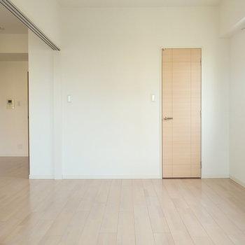 広めの洋室です。(※写真は3階の同間取り別部屋のものです)