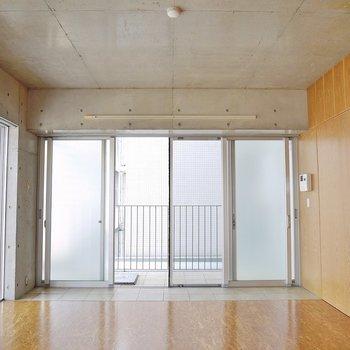 玄関が特徴的なお部屋です♪(※写真は同タイプの別室)